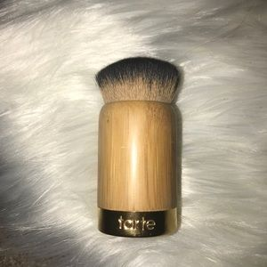 tarte kabuki airbuki makeup brush